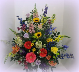 Glorious Garden Remembrance from Lesher's Flowers, local St. Louis Florist since 1973