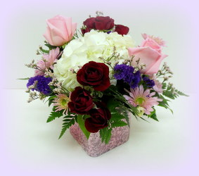 Sweetheart Bouquet from Lesher's Flowers, local St. Louis Florist since 1973
